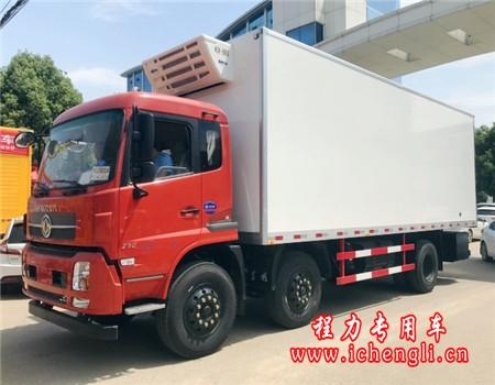 东风天锦小三轴冷藏车(厢长8.6米)