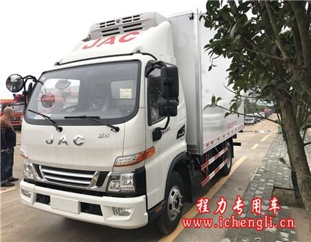 江淮骏铃V6宽体冷藏车(厢长4.2米)