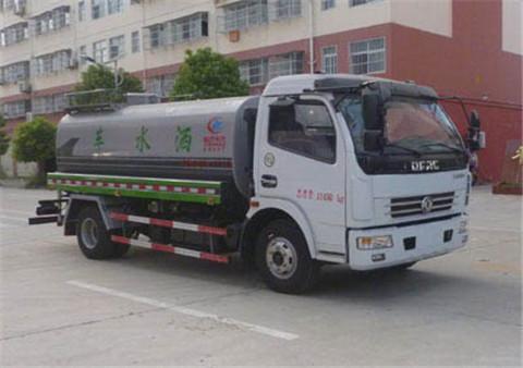 东风多利卡8吨洒水车(国五)