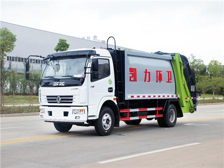 东风多利卡8方压缩式垃圾车(国五)