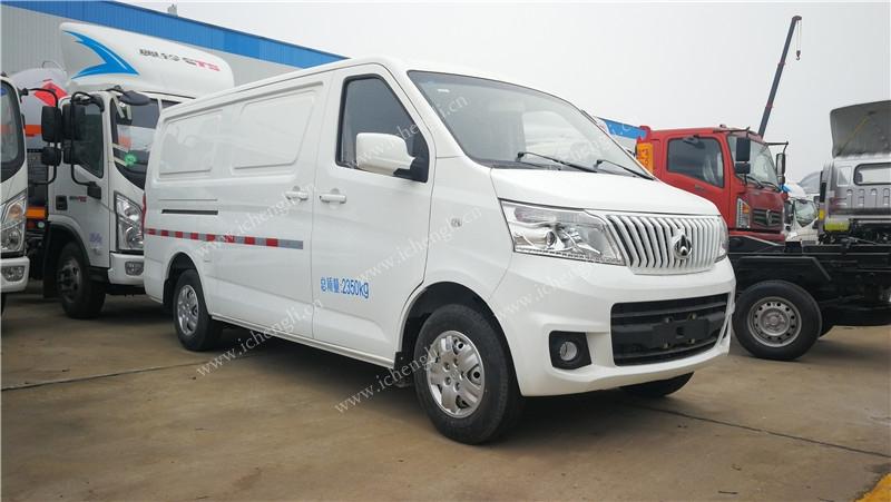 长安睿行M80冷藏车(面包)